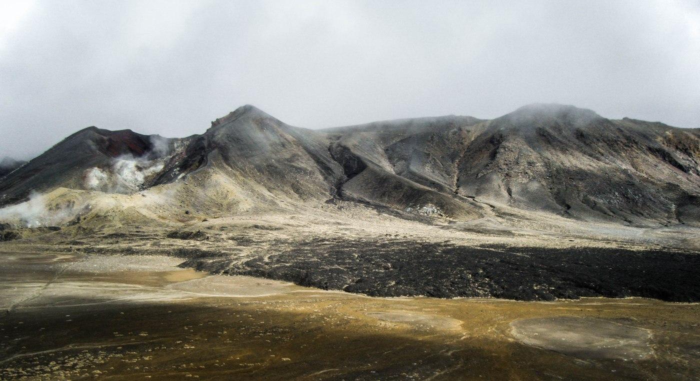 Hiking the Tongariro Crossing