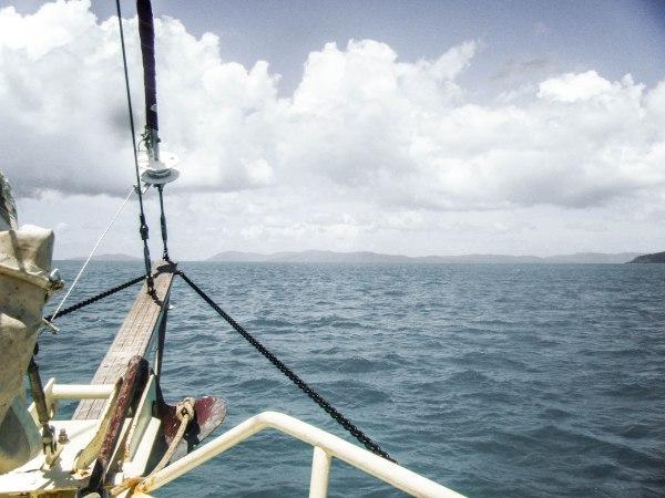 Sail around the Whistsunday Islands