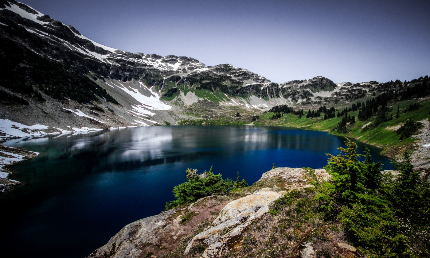 Hiking from Callaghan Lake to Cirque Lake