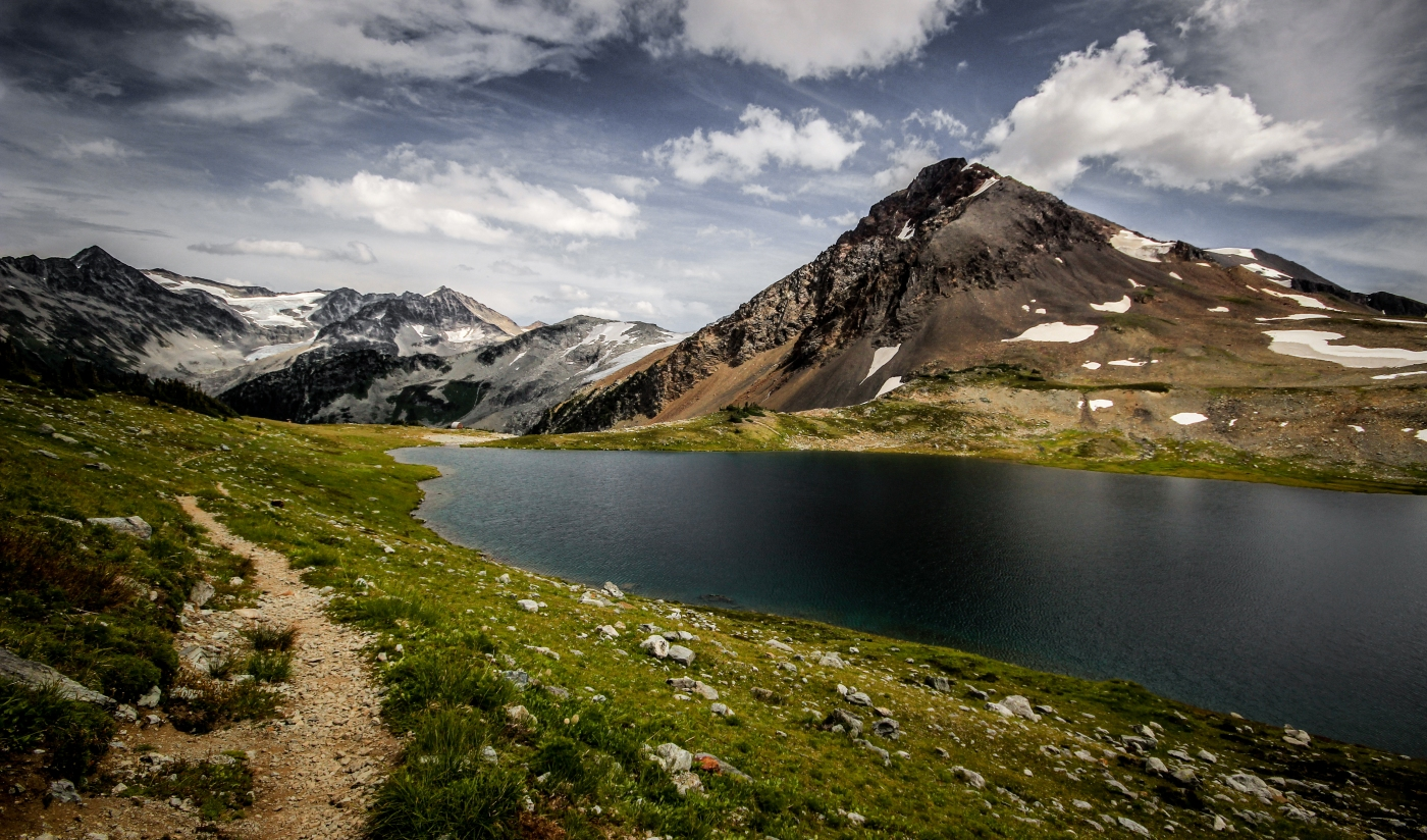 Hiking to Fissile Peak and Russet Lake