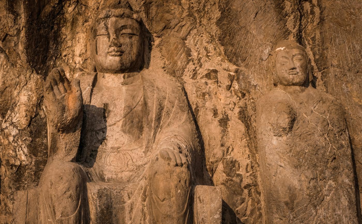 Ninjas and Buddhas in Luoyang